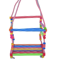 Качели детские подвесные (из пластмассовых трубочек)